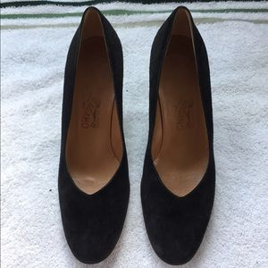 Salvatore Ferragamo Black Suede 8B Tortoise Pumps
